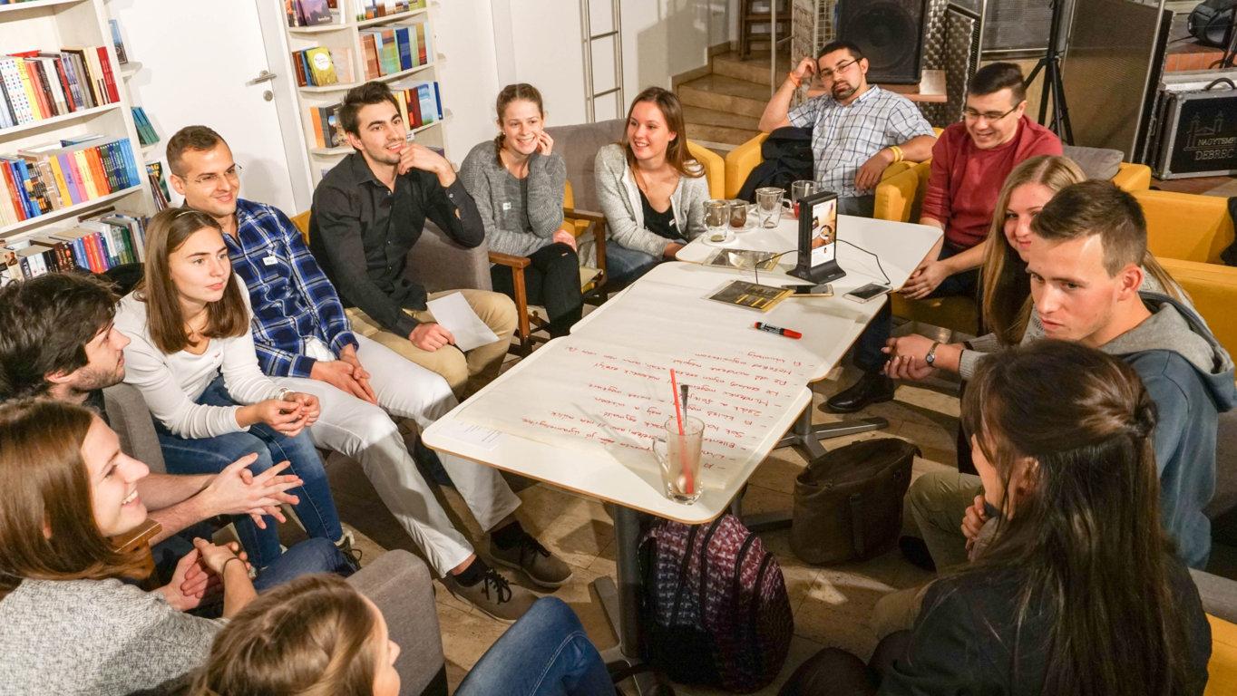 Üljünk be valahova! – 5. rész: Szerelem, Párkapcsolat, NagyŐ & Dicsőítés @Karakter
